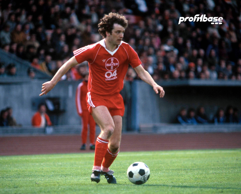 Arne Larsen Økland fra sin suksessrike periode i Bayer Leverkusen. Han er styrelederen for Profitbase nå. Foto: Digitalsport.